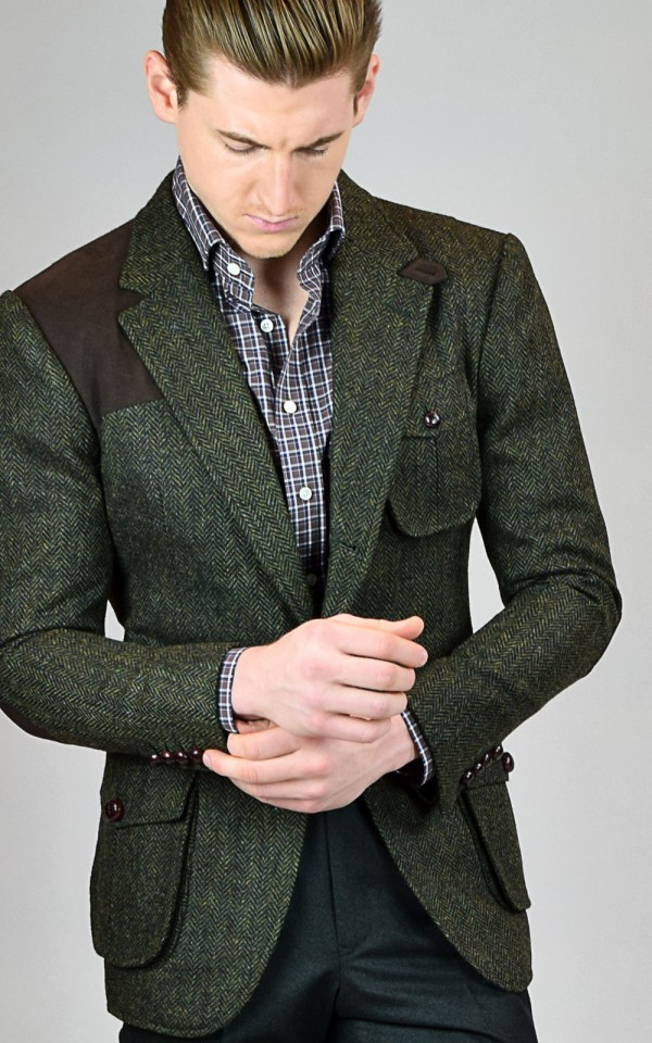 Sport coats were originally worn for sporting – hence the name. Men would typically wear one of these coats while hunting and the coats were constructed with a leather patch on the shoulders and elbows.