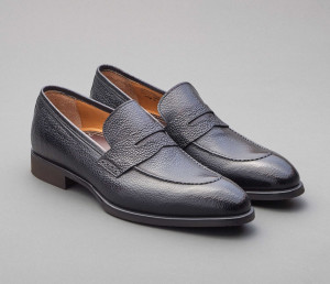 Salerno Pebble Grain Loafer in Nero